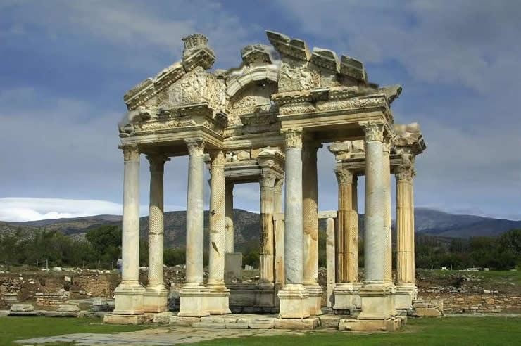 Experience the best Aphrodisias Tours. Our Aphrodisias guided tours are departing from Kusadasi, Selcuk and Sirince.